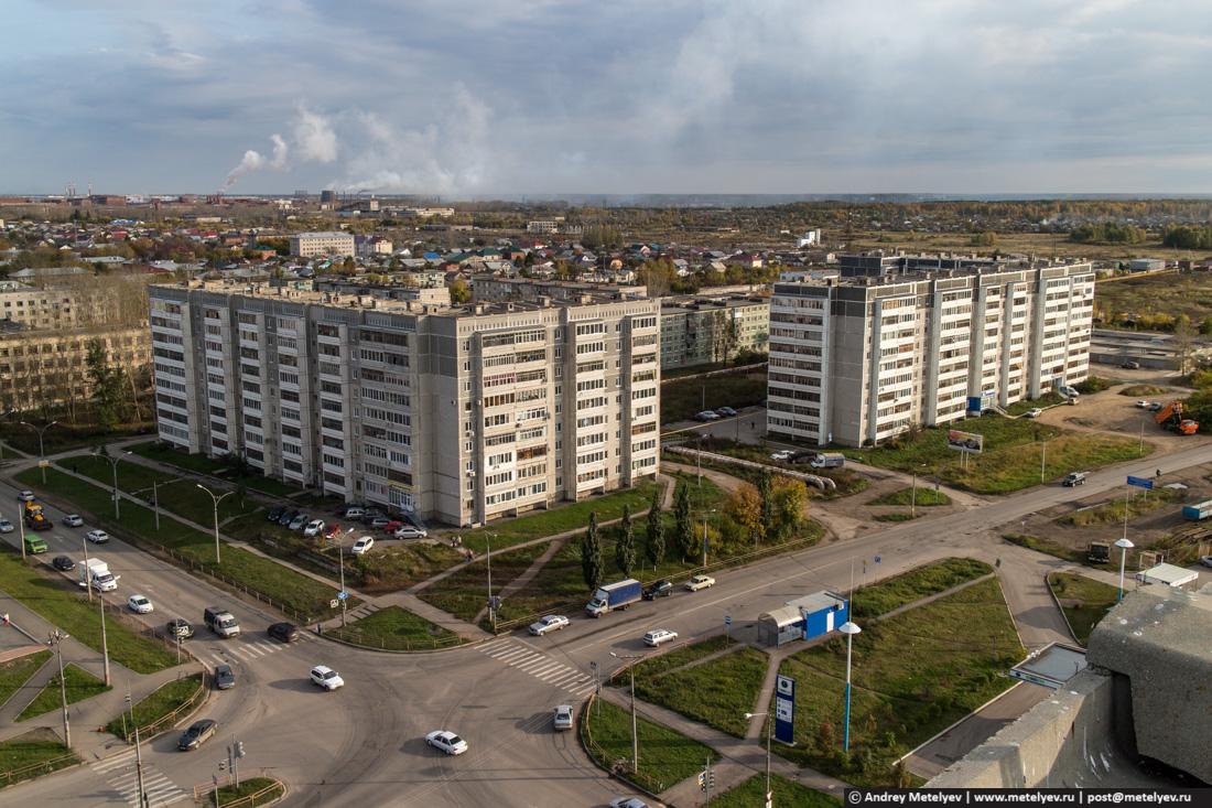 Многоэтажки на перекрестке суворова октябрьская