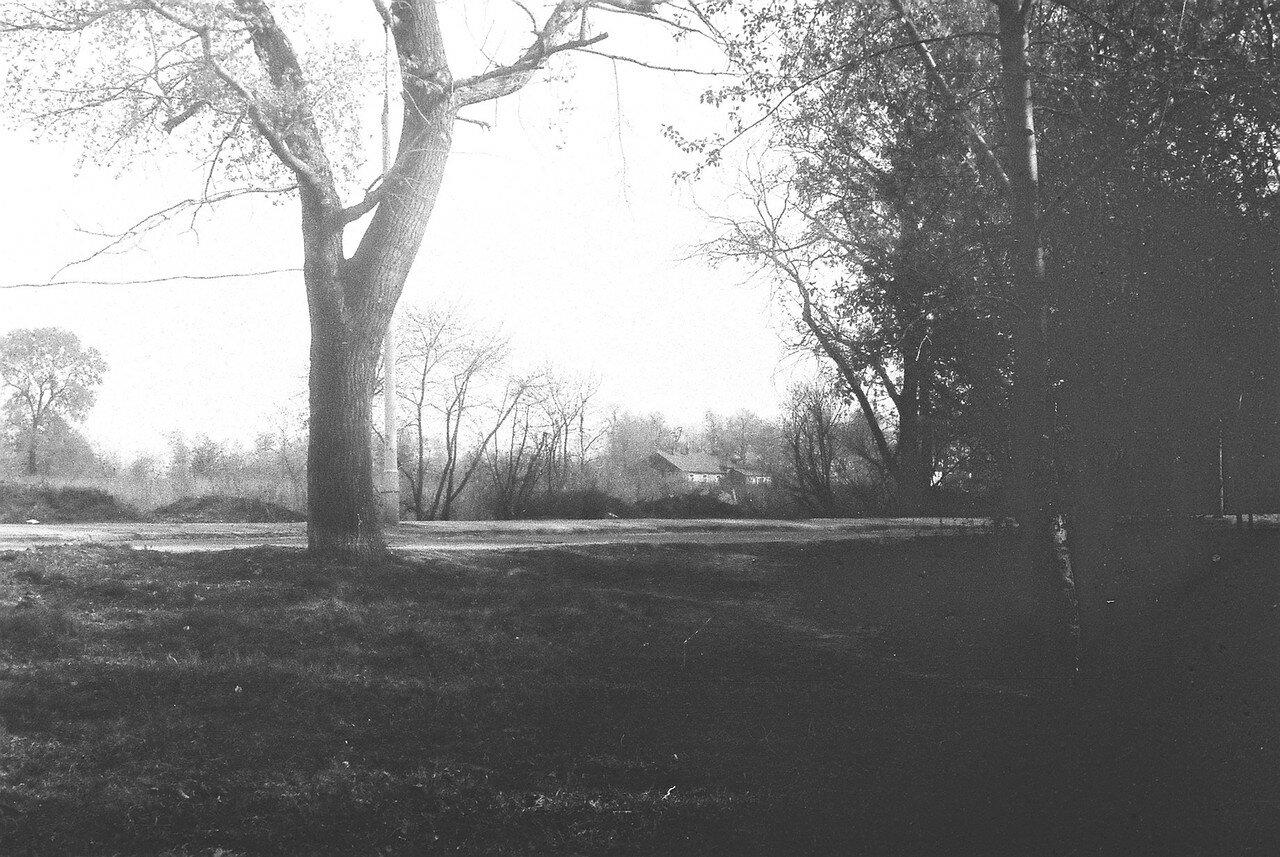 1981. Снимок четвертый из серии панорама улицы Большой, после сноса