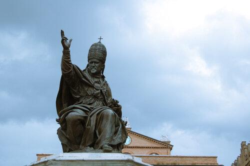 Папа Павел Пятый