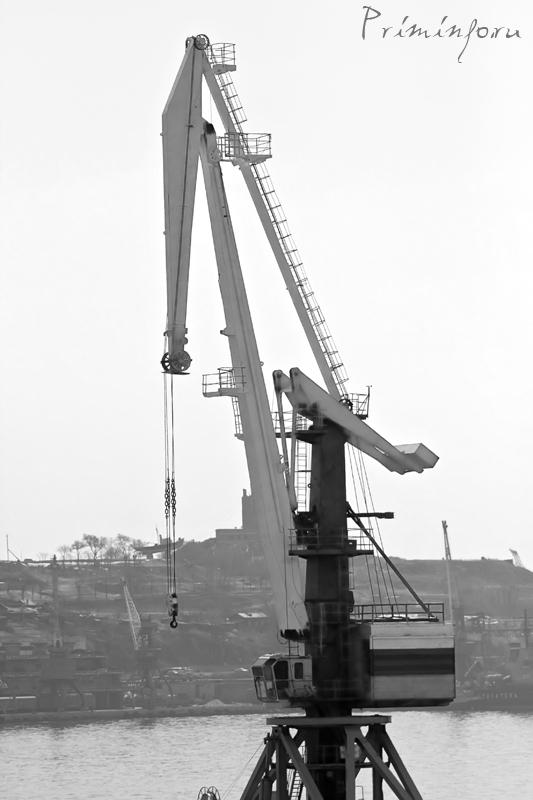 Портовый кран
