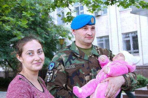 Встреча со слезами на глазах: молдавские миротворцы дома
