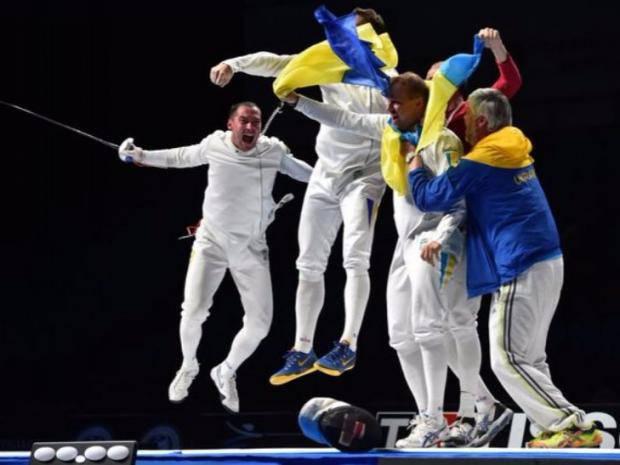"""Олимпиада-2016: Украинские спортсмены """"закололи"""" россиян"""