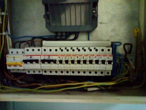 Срочный вызов электрика на улицу Декабристов (Адмиралтейский район СПб).