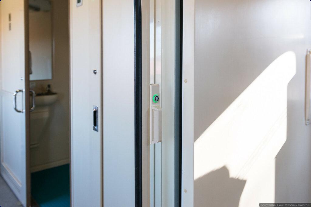 Тамбурная дверь с электроприводом