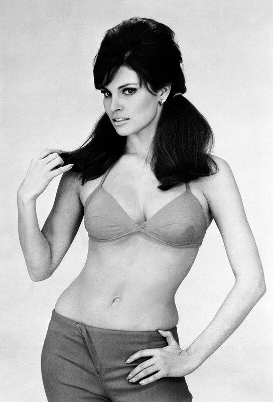 Секс-символ 70-х Ракель Уэлч (Raquel Welch) MCDBIBU EC008