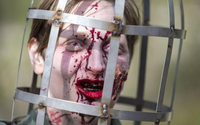 Окровавленные зомби в Брюсселе на фестивале фантастики 0 16078a e80d02ef XL