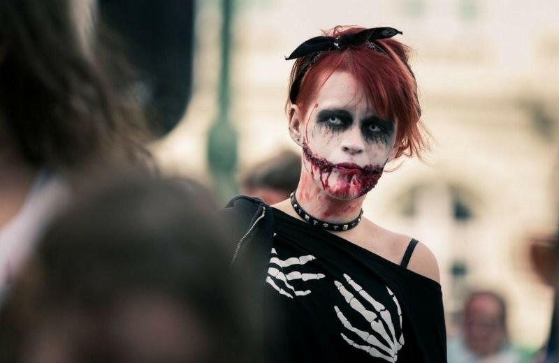 Окровавленные зомби в Брюсселе на фестивале фантастики 0 16079d bc005ac4 XL