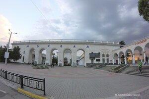 Пустынный вокзал Симферополя