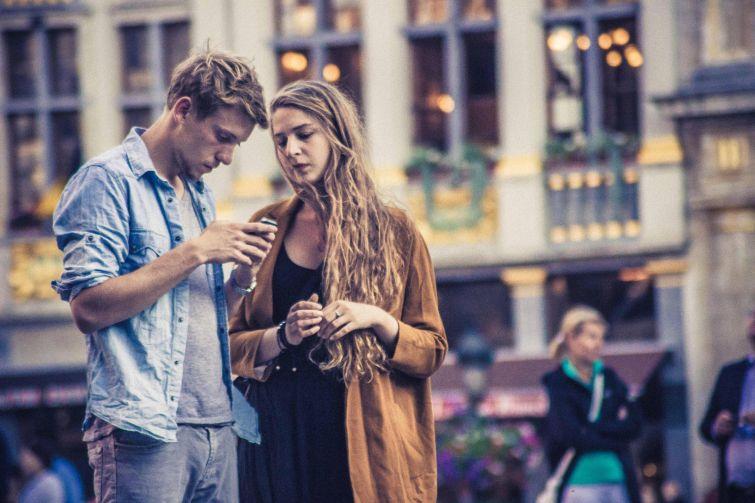 4. Брюссель, Бельгия В Бельгии местные жители отдают предпочтение джинсам с рубашкой, под которую по