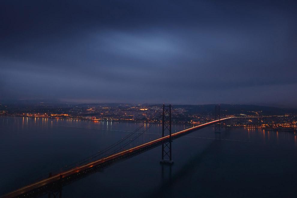 15. Самый длинный мост в Европе, мост Васко да Гама великолепно смотрится в любую погоду. Попыт