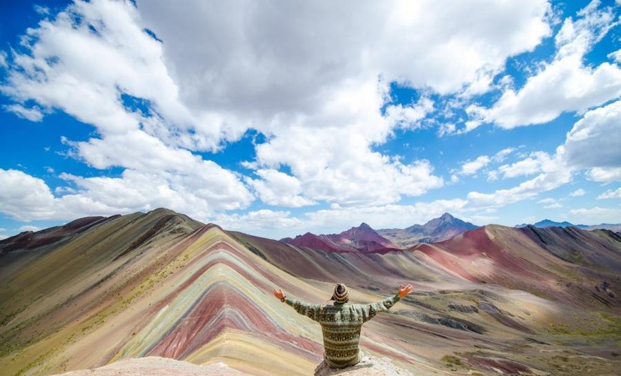 8. Гора Виникунка в Перу. Гора Виникунка входит в состав горного хребта Орнокаль, который протянулся