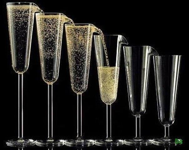 Zoe Stanton при создании бокалов для шампанского Fairshare Fountain руководствовалась чувством справ