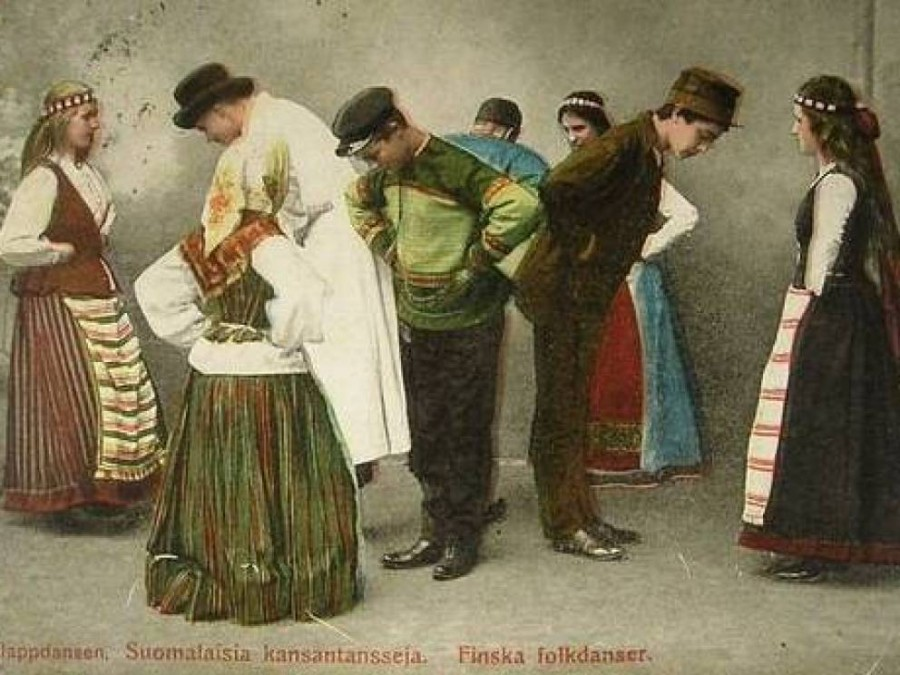 10. Финские ножки В Финляндии в 19-м веке при достижении девушки возраста замужества, ей на пояс веш