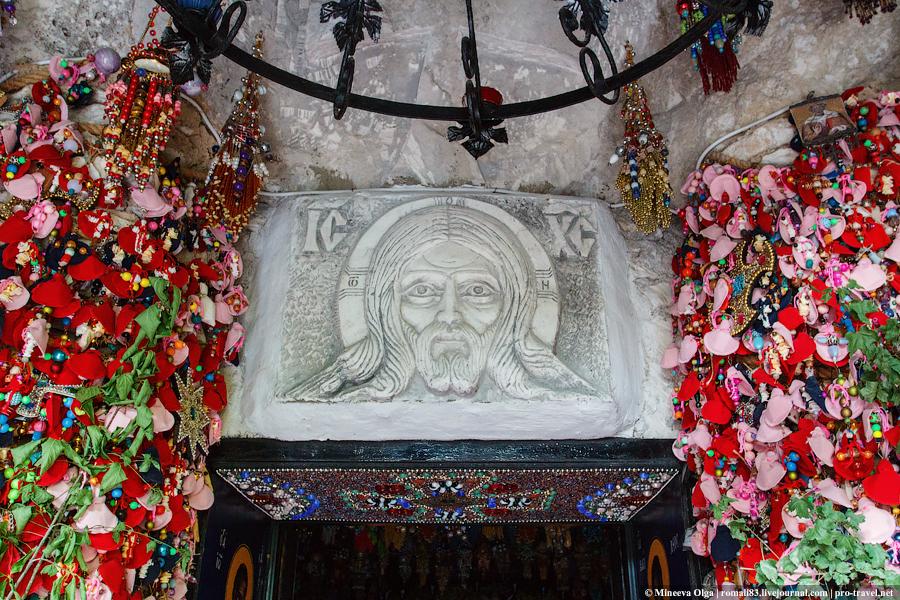 Пещерный бисерный храм. Скит Анастасии Узорешительницы