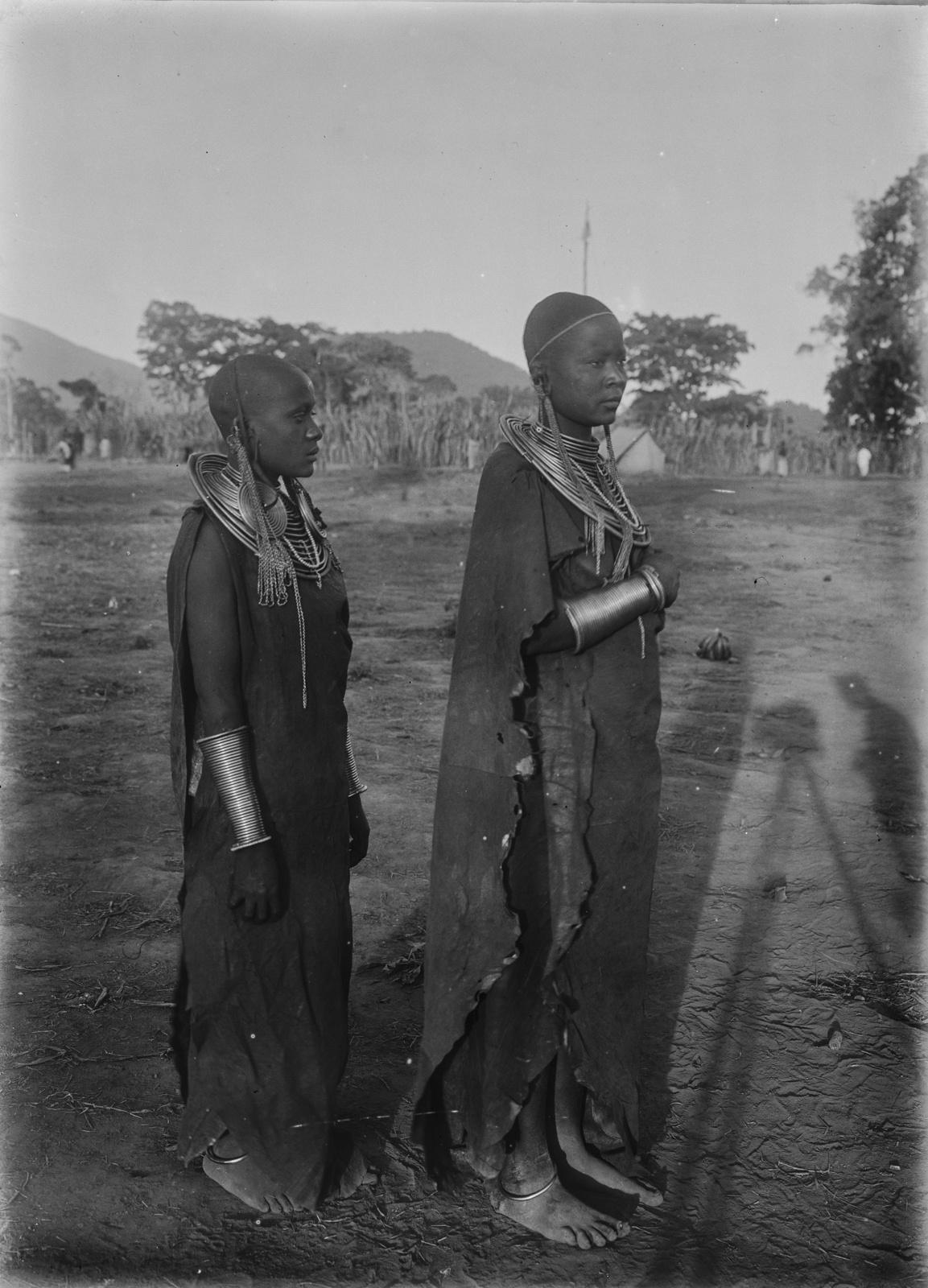238. Женщины масаи