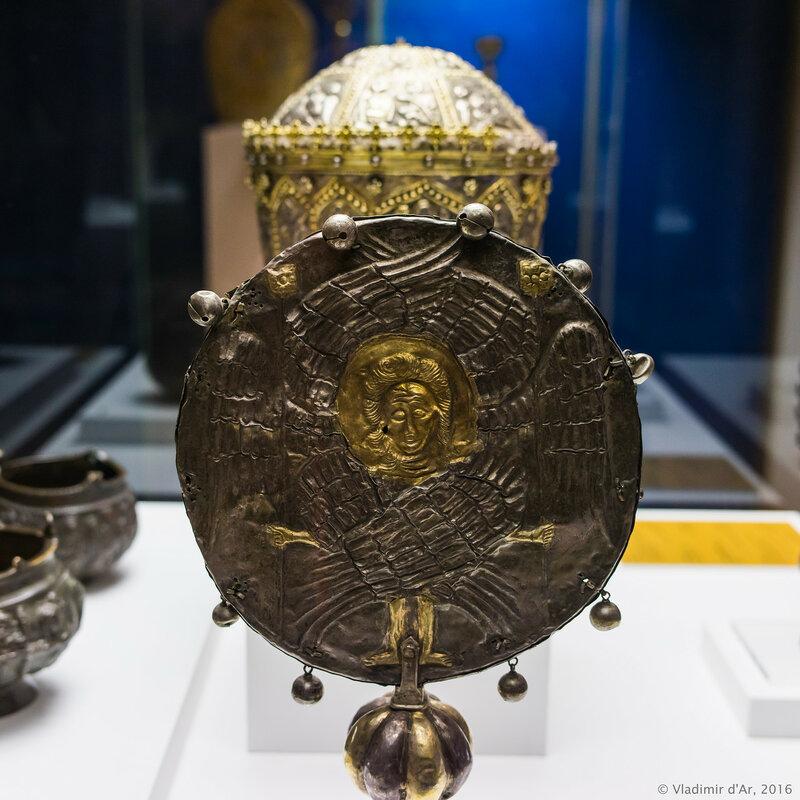 Рипида. Западная Армения. 1621 г. Серебро, золочение.