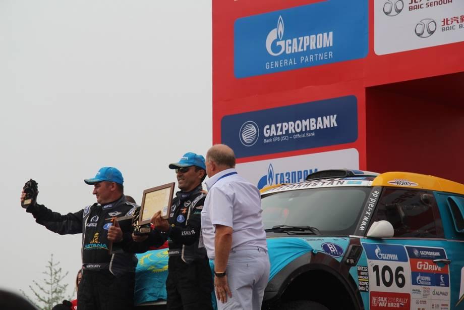 """""""Хочу отметить большую заслугу правительства Яценюка"""", - Гройсман"""