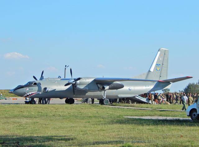 Украинские военные летчики успешно выступили на международном авиапоказе SIAF-2016. ФОТОрепортаж