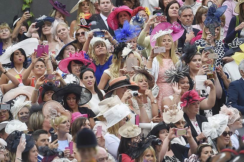 «День леди»: парад шляпок на скачках Royal Ascot 2016 0 165a1f bfc28af9 orig