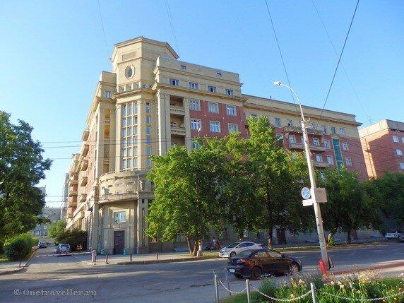 Новосибирск. Стоквартирный дом работников Крайисполкома