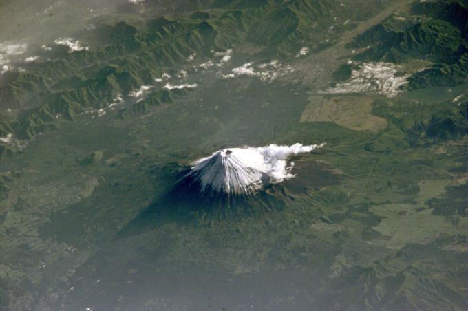 Фото: гора Фудзи из космоса