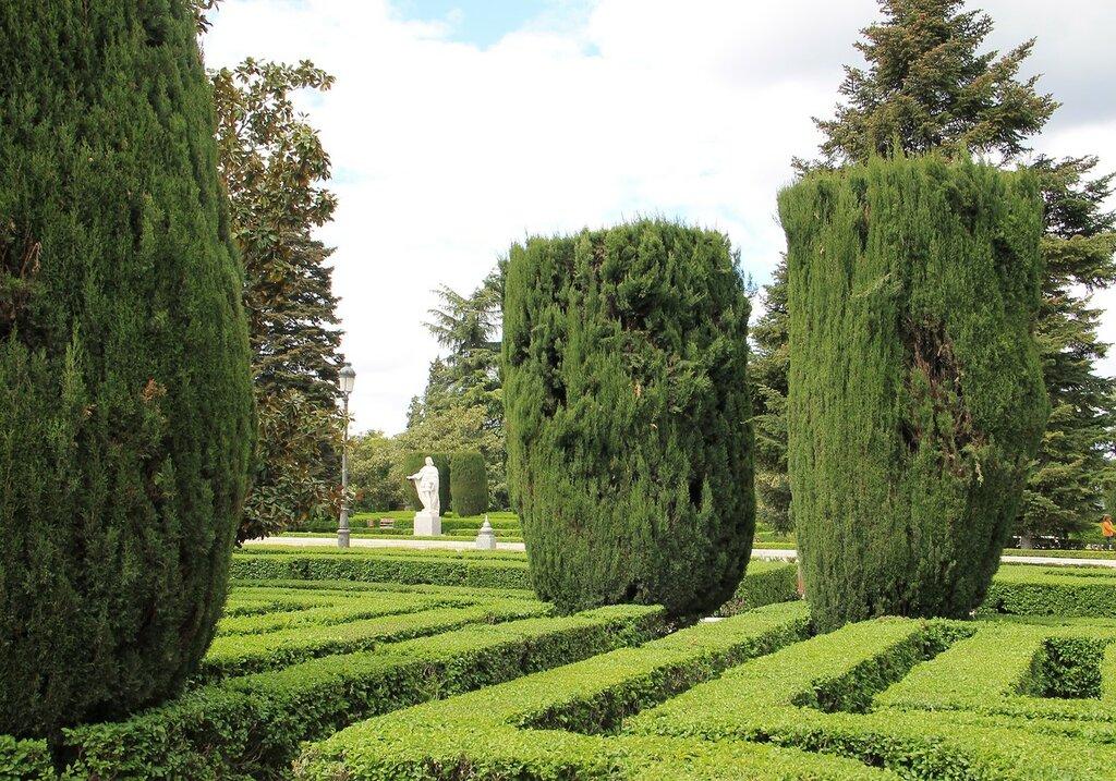 Мадрид. Сады Сабатини (Jardines de Sabatini)