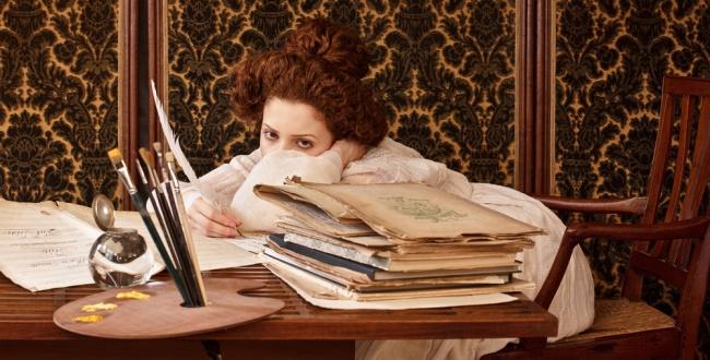 © tanialazlo.com /  © 0.tqn.com   «Дама вчерной шляпе», Густав Климт. 1910г.