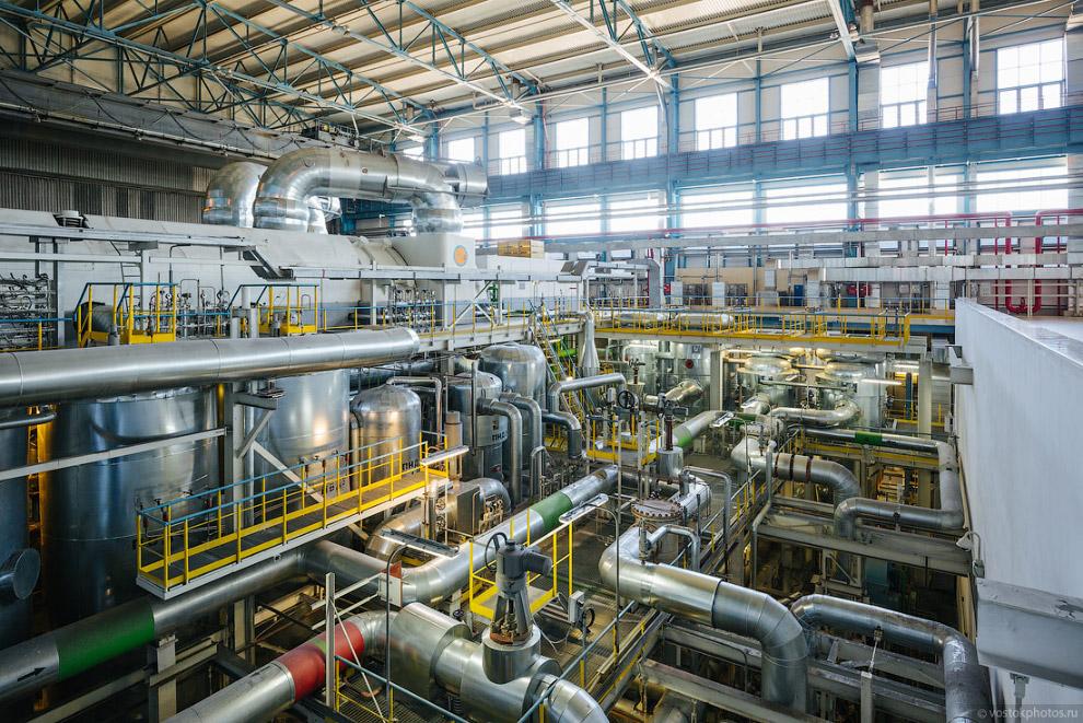 21. Гарантированная электрическая мощность нового энергоблока — 225 МВт; Электрический КПД — 37