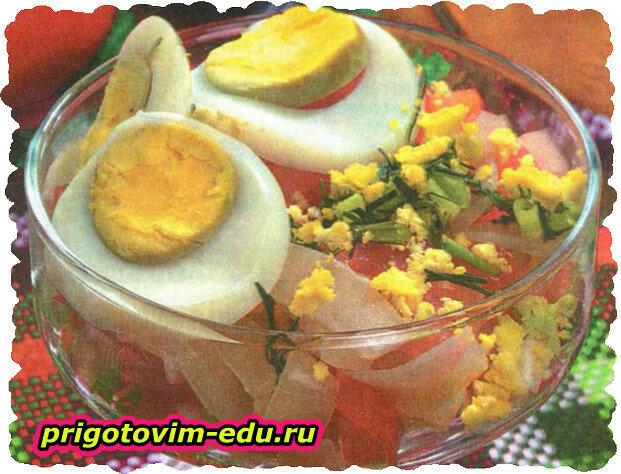 Салат из кальмаров с зеленью