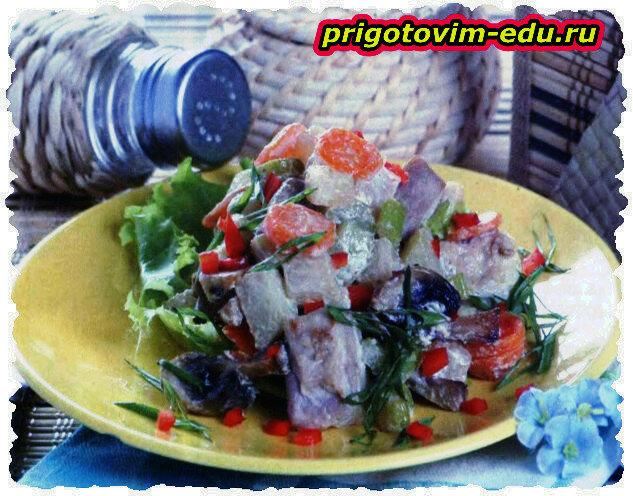 Рагу из кольраби со свининой и грибами