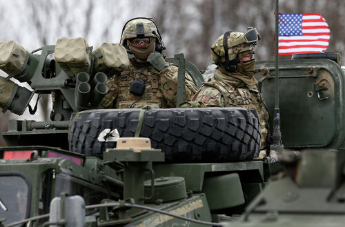 Молдаване под Кишиневом протестуют против военных НАТО