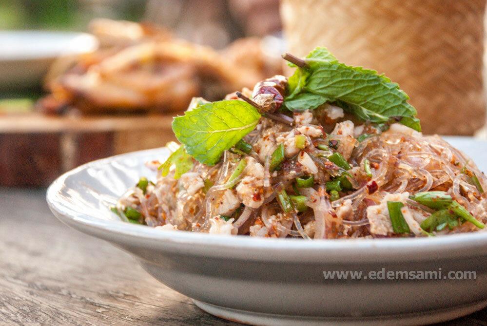 тайский острый салат