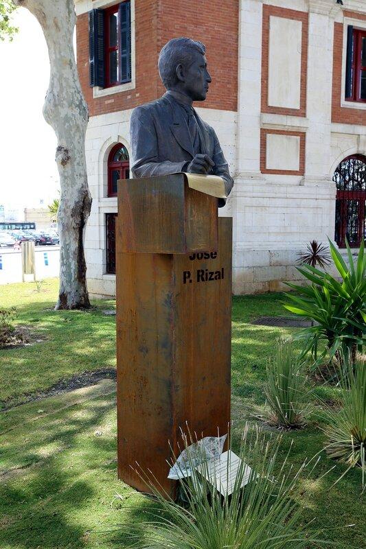 Малага. Памятник Хосе Рисалю (José Protacio Rizal)