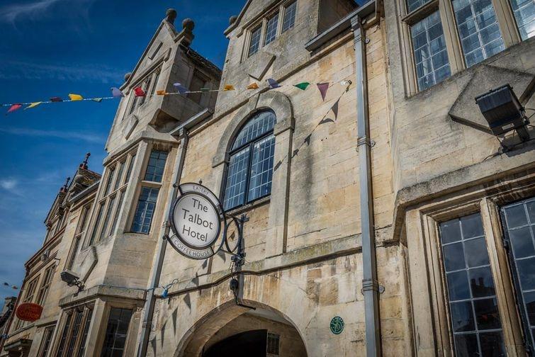 1. The Talbot hotel: королевская метка Известно, что призрак Марии Стюарт живет насыщенной загробной