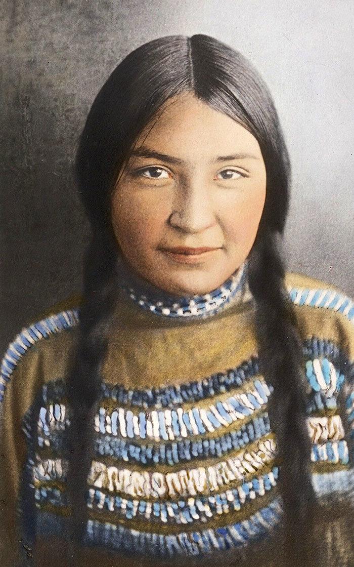 Мастер по изготовлению стрел. Мужчина племени оджибве, 1903.