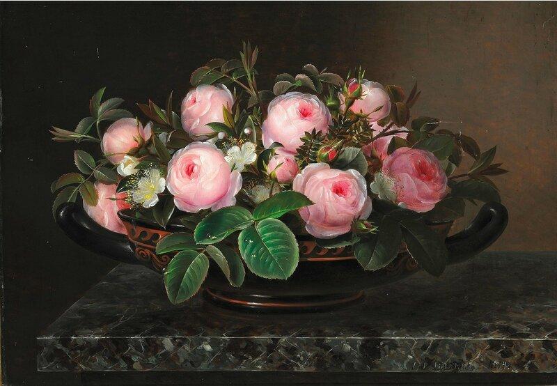 Розы в греческой чаше