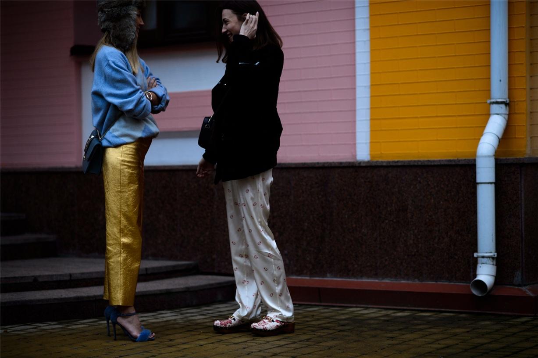 Уличная мода Киева - Анастасия Ершова и Марта Земскова / Anastasiya Yershova and Marta Zemskova - Ukrainian Fashion Week Fall 2016 Street Style by Adam Katz Sinding