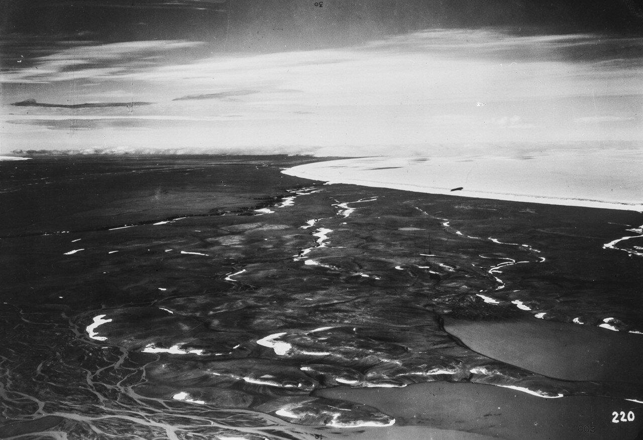 1931. Новая Земля. Вид с ледника в районе пролива Шокальского на Северную Землю