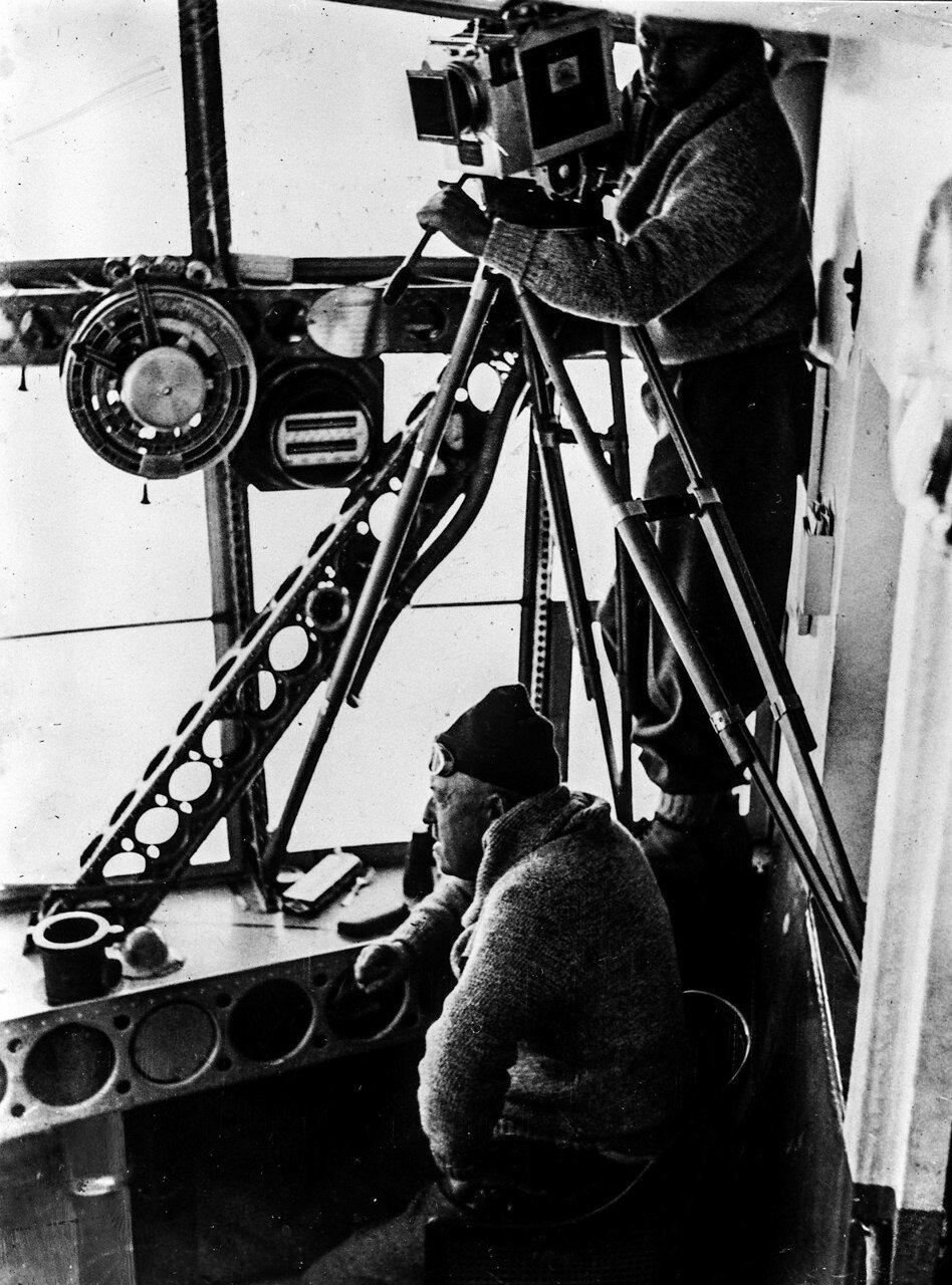 1931. �������� ��������� �-� ����� ������� (�����) � ��� ���� ���� ���������� � ������� �� ����� ������������� ��������� LZ 127 ����� �������� �� ����� ���������� �� �������� �������