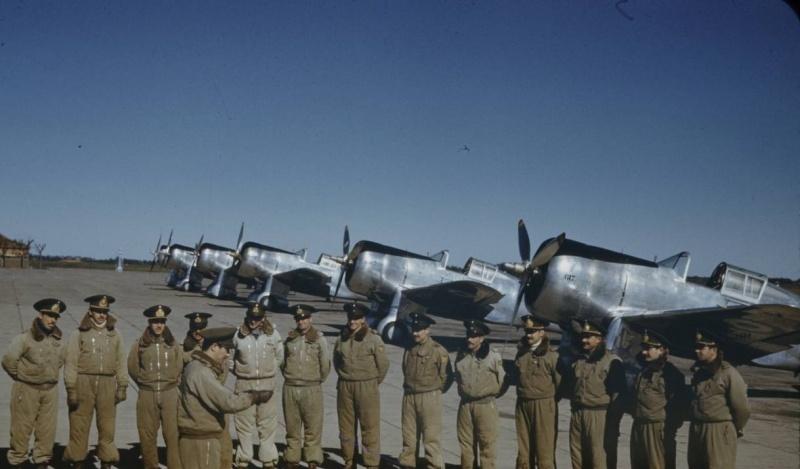 argentinskie_piloti_hawk_1941.b54eu0qfd08ck48s8c40oc40k.ejcuplo1l0oo0sk8c40s8osc4.th.jpeg