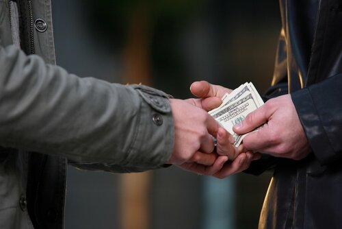 В Бельцах полицейский отказался от взятки