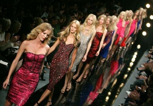 Прыщи и акне стали трендом после Недели моды в Милане