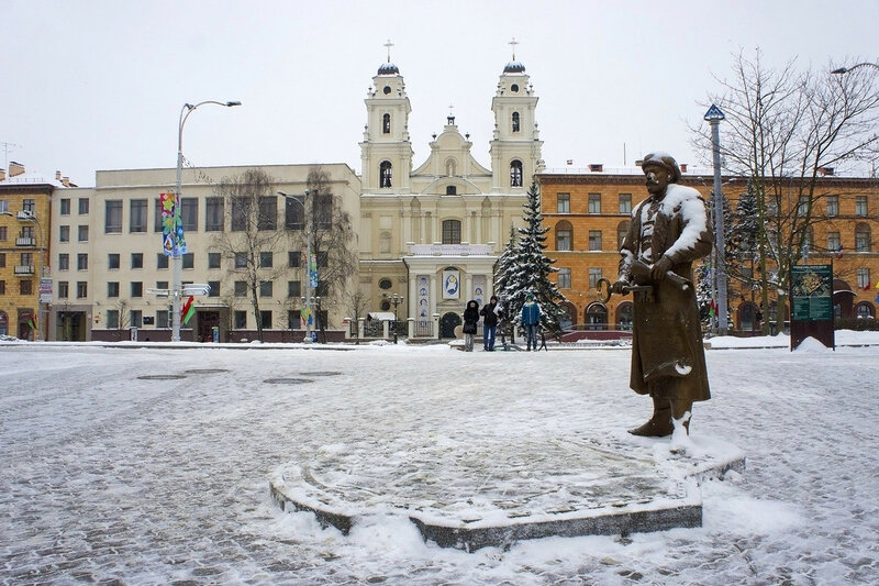 2016-01-09_042, Белоруссия, Минск, площадь Свободы.jpg