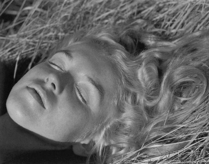 Неизвестные пляжные фотографии Мэрилин Монро, сделанные ее любовником (19 фото)