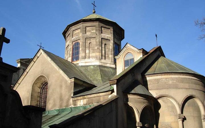 Костёл Святого Антония, Львов также стал местом для съёмок действия во дворце кардинала Ришелье («Д'