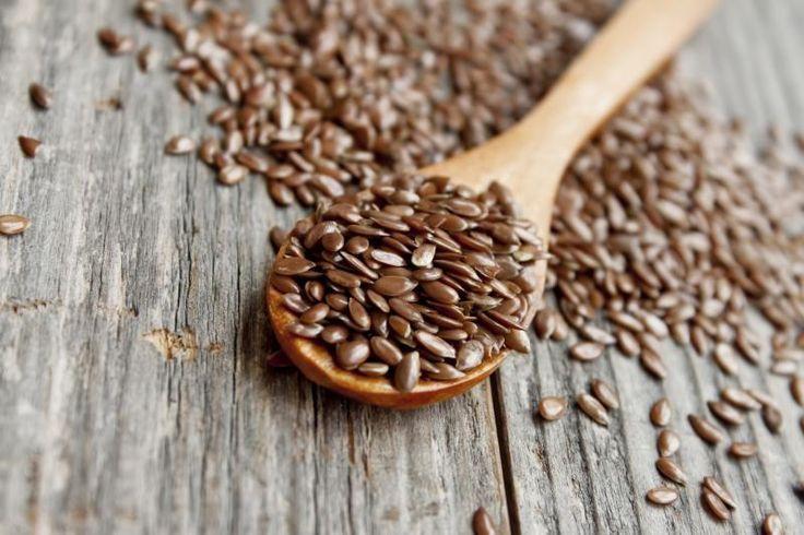 5. Семена льна Миф. Семена льна – вегетарианский продукт, насыщенный ценными жирами. Правда. Всего 2