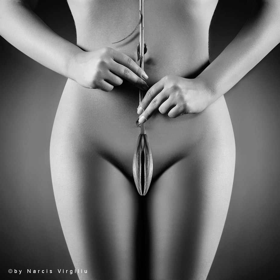 Черно-белая фетиш-эротика / photoart by Virgiliu Narcis