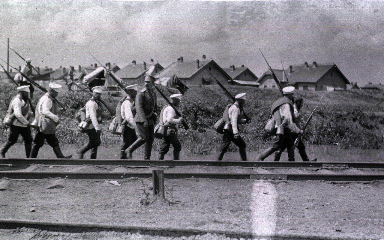 Излеченные солдаты отправляются на фронт