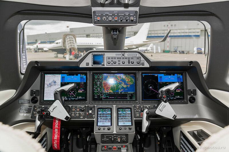 Embraer 505 Phenom 300 (N545EE) D807629
