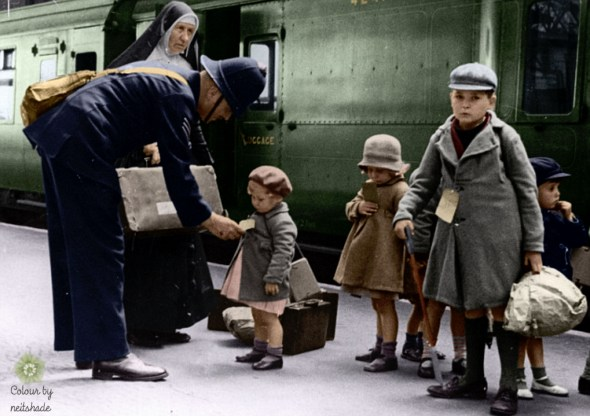 evacuees-leaving-london-19401.jpg